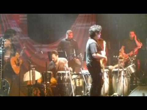 Ver Video de Juanes Juanes - Me Enamora Live at Cirque Royal